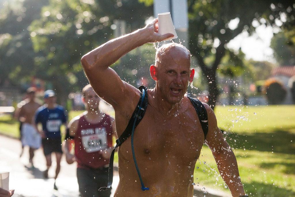 photo credit: Anthony Quintano 2015 Honolulu Marathon via photopin (license)
